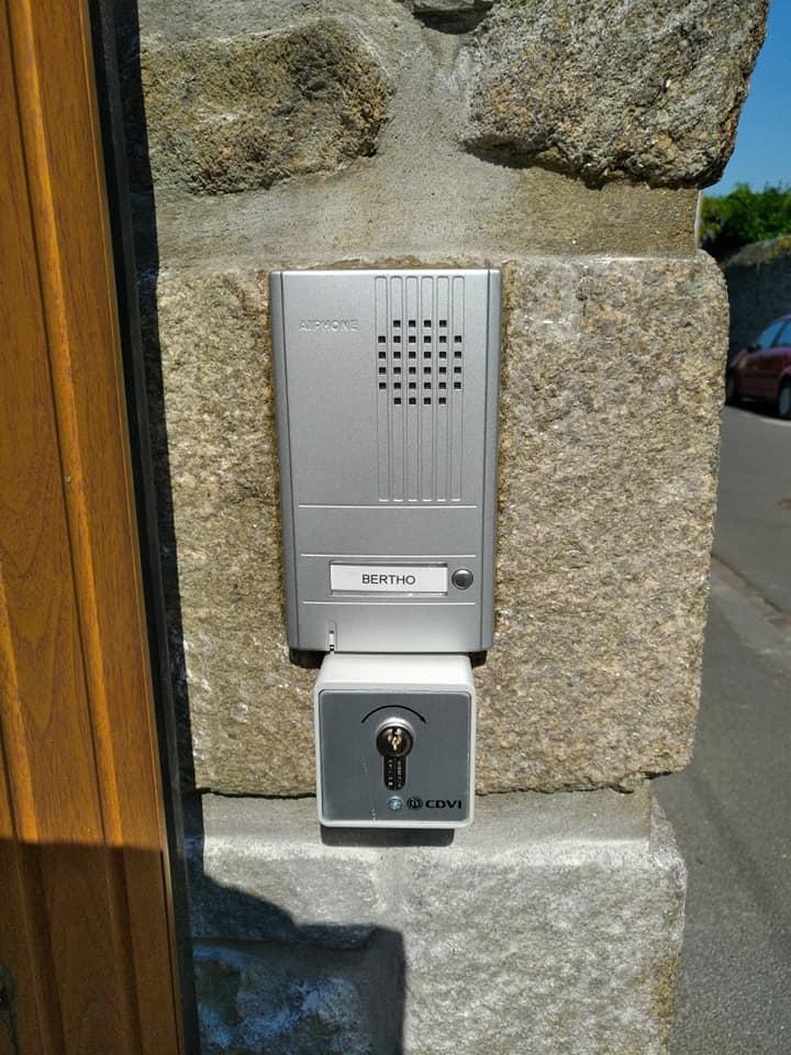 Pose interphone individuel audio Saint-Malo